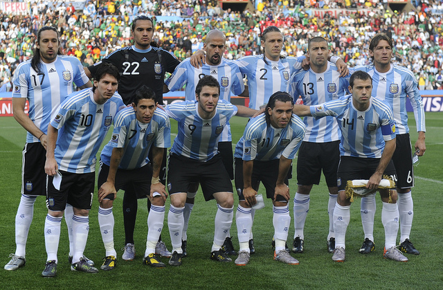 from left, top : Argentina's midfielder